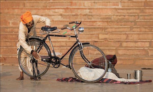 گرد گیری کردن دوچرخه